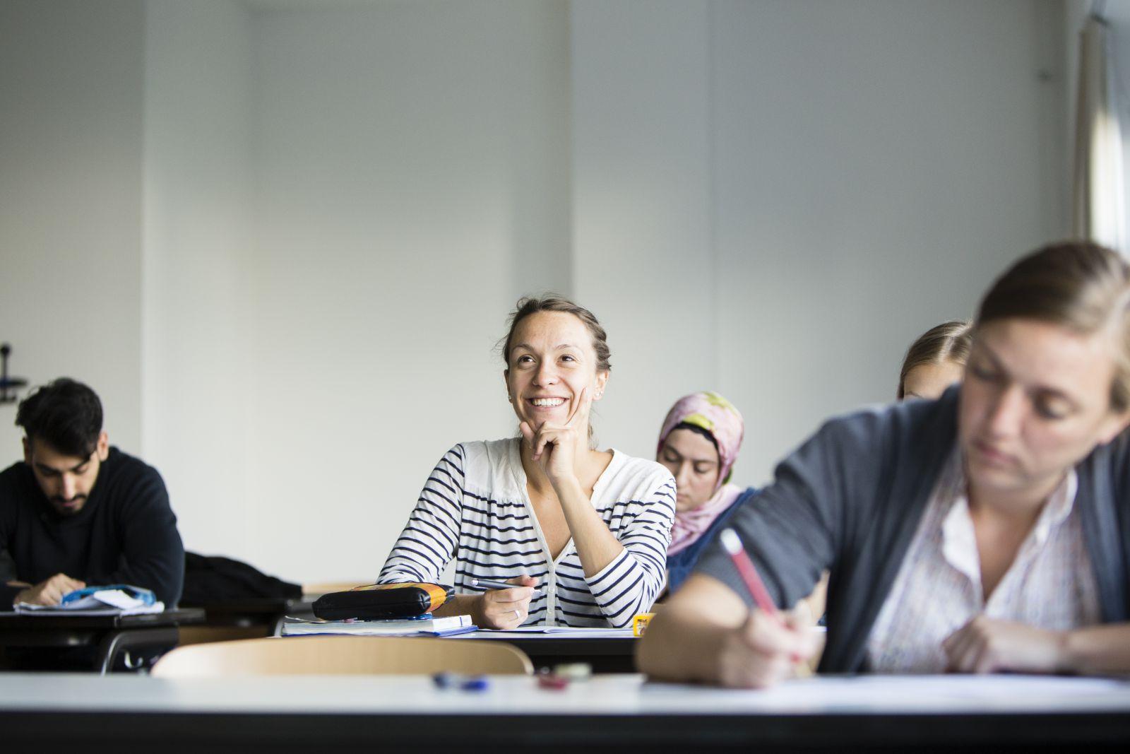 Studentin im Französisch-Kurs