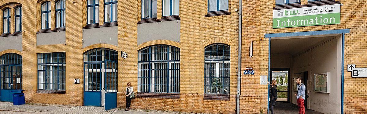 Die Information im Gebäude B am Campus Wilhelminenhof