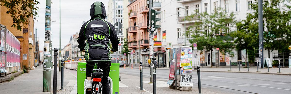 Radfahrer im Kiez Oberschöneweide