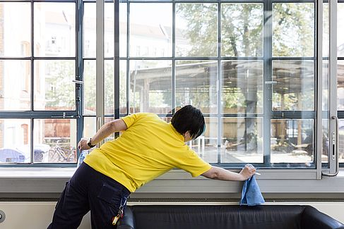 Fensterputzerin