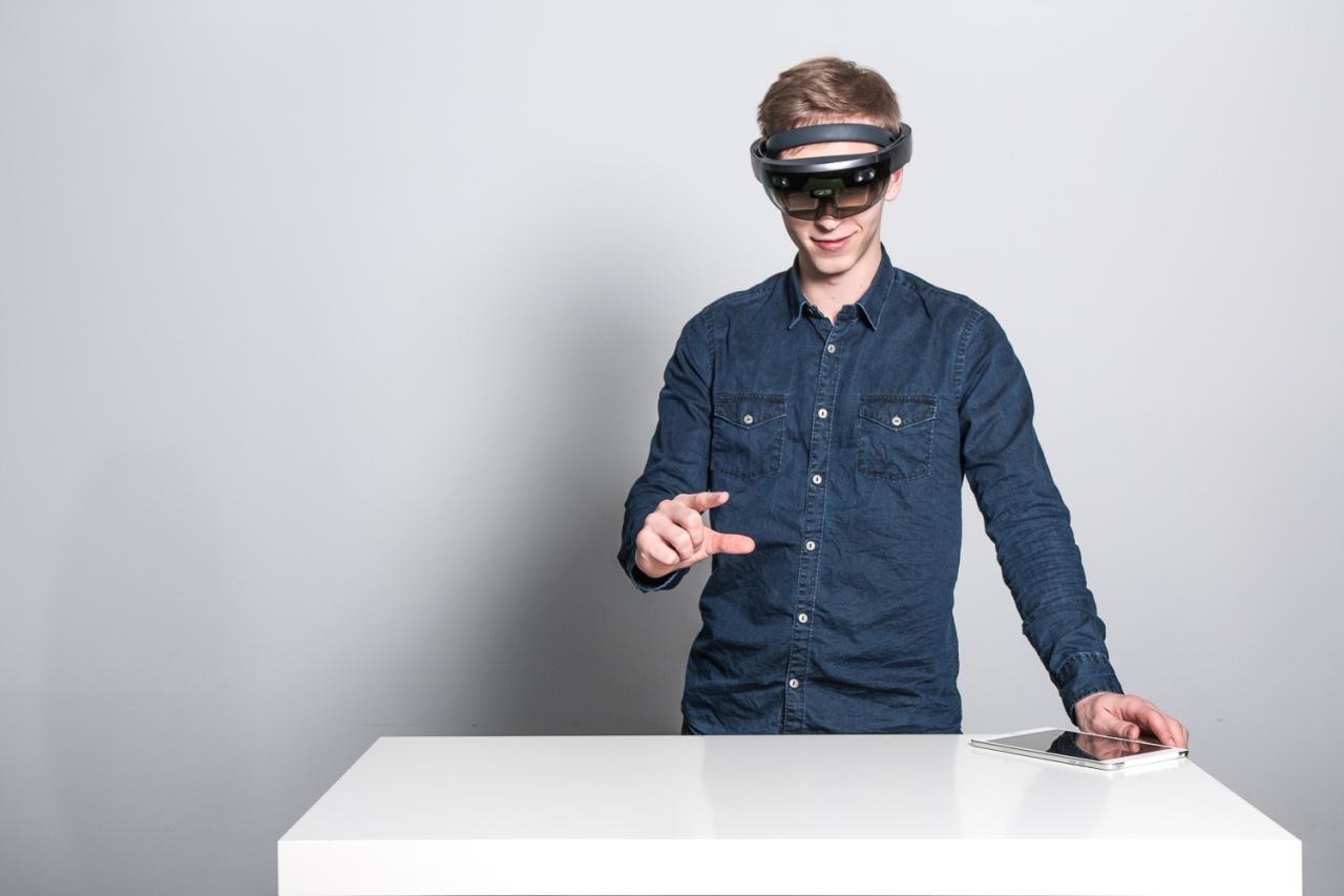 """Forscher mit VR-Brille aus dem Projekt """"MR4B"""""""