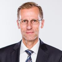 Portrait von Prof. Dr. Sören Dressler