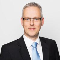 Portrait von Prof. Dr. Dietmar Hillebrand