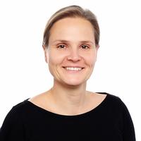 Portrait von Dr. Adina Herde