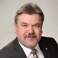 Portrait von Prof. Dr.-Ing. Henning Gleich