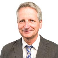 Portrait von Prof. Dr. Frank Burghardt