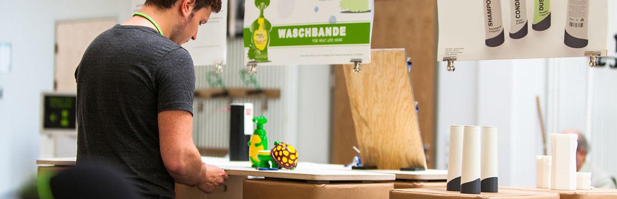 Ausstellung von Projektergebnissen des Studiengangs Industrial Design