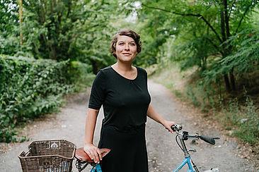 Janine Brettin und ihr Fahrrad
