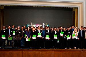 Gruppenbild der aktuellen Stipendiatinnen und Stipendiaten