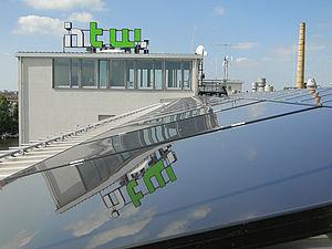 Photovoltaikanlagen auf dem Dach der HTW Berlin