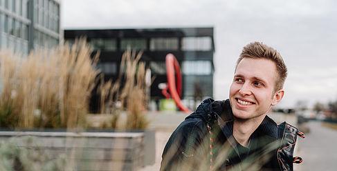 Student auf dem Campus Wilhelminenhof