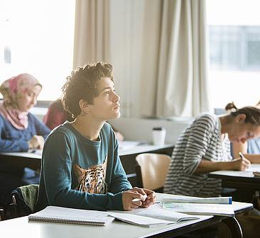 Studierende im Französisch-Kurs