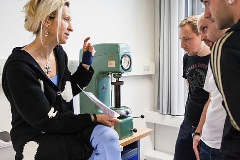 Professorin im Unterricht © HTW Berlin/Nina Zimmermann