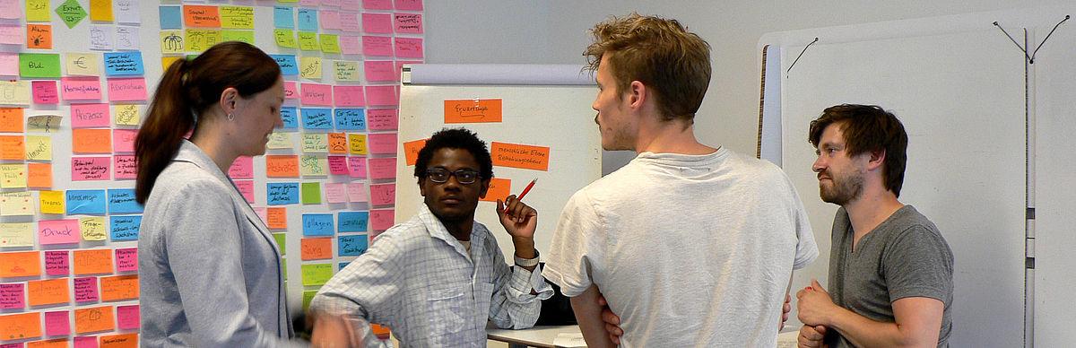 Studierende im Raum für Ideen © HTW Berlin