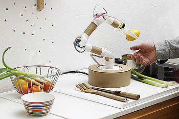 """Der Do-it-yourself-Roboterarm """"Rohrbot"""""""