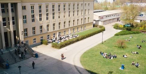 Mensagebäude auf dem Campus Treskowallee