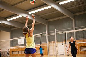 Volleyballkurs an der HTW Berlin © HTW Berlin/Maria Schramm
